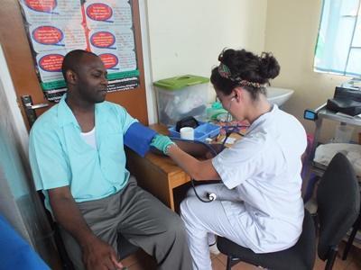 Neem deel aan de jongerenreis Public Health en doe ervaring op binnen de gezondheidszorg.