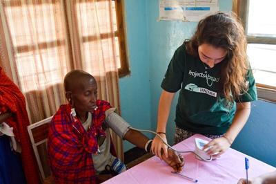 Leer meer over de gezondheidszorg van Tanzania tijdens de Public Health jongerenreis.