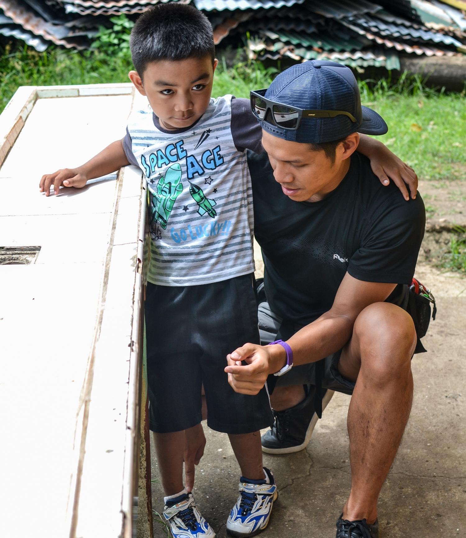Kijk mee met lokale fysiotherapeuten in de Filippijnen tijdens de fysiotherapie groepsreis voor jongeren.