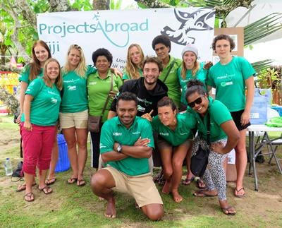 Jongerenreizen haaienbescherming Fiji