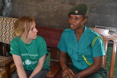 Tijdens de Mensenrechten jongerenreis naar Ghana leer je meer over het Ghanese rechtssysteem
