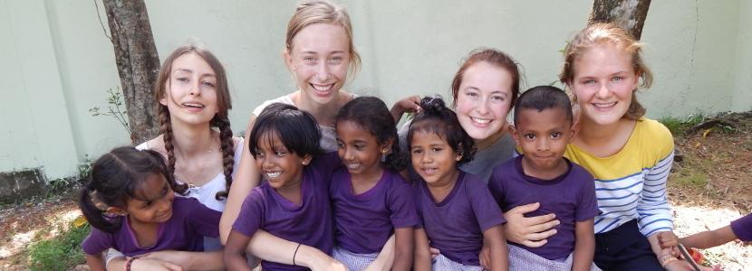 Vrijwilligerswerk op de Sociale zorg Jongerenreis in het buitenland tijdens de zomervakantie