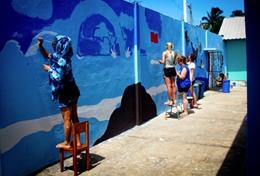 Lever tijdens deze sociale groepsreis naar Ecuador een bijdrage door bijvoorbeeld te helpen bij opknapwerkzaamheden.
