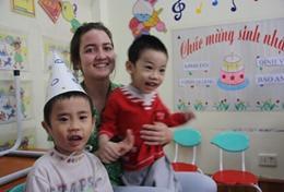 Organiseer leuke en educatieve activiteiten voor kinderen in dagopvangcentra in Vietnam tijdens deze groepsreis voor jongeren.
