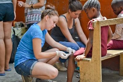 Vrijwilligerswerk in je tussenjaar in het buitenland
