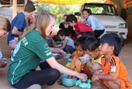 Als je vrijwilligerswerk doet in het buitenland als student doe je veel nieuwe ervaring op.