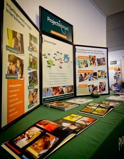 Voorlichting over vrijwilligerswerk & stages in het buitenland