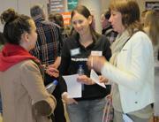 Praat met een Projects Abroad medewerker tijdens een informatiedag