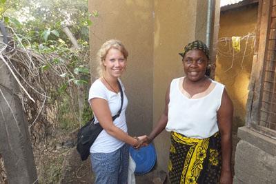 Vrijwilliger Karlijn donatie weeshuis Tanzania
