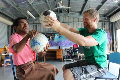 Tijdens een fysiotherapie stage in het buitenland doe je veel ervaring én help je de lokale bevolking bij revalidatie.