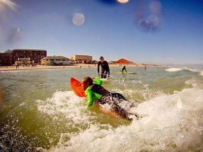 Sportles surfen stage buitenland