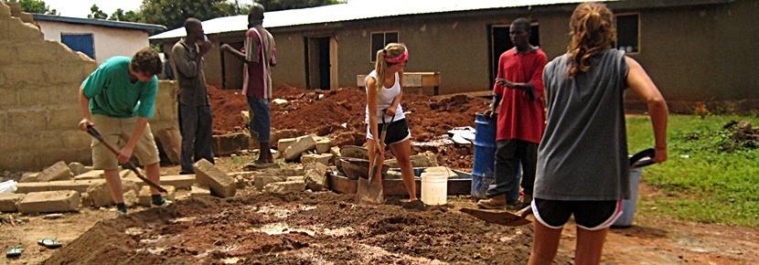 Vrijwilligerswerk bij een bouw project