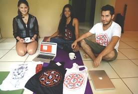 Vrijwilligers ondersteunen lokale ondernemers in Costa Rica bij het opzetten van hun business.
