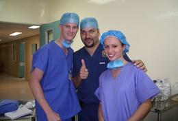 Doe medische ervaring op door als geneeskunde vrijwilliger mee te lopen met artsen in Mexico.