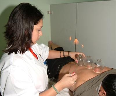 Traditionele technieken met het geneeskundeproject