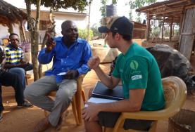 Op dit Internationale Ontwikkelingsproject in Togo spreek je als vrijwilliger veel met de lokale bevolking.