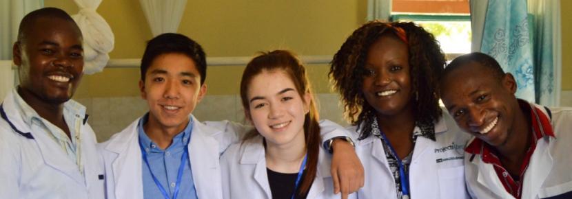 Vrijwilligerswerk op de Gezondheidszorg jongerenreis tijdens de zomervakantie