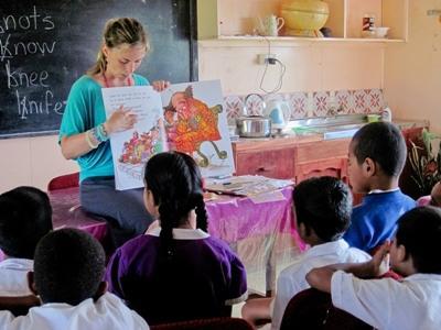 Lesgeven op een school in Fiji