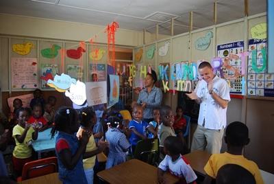 Lesgeven op een school in Jamaica