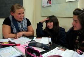 Als vrijwilliger geef je kinderen op scholen in Argentinië Engelse les.