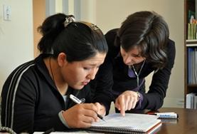 Ondersteun als lesgeef vrijwilliger Boliviaanse leerlingen bij hun Engelse spreekvaardigheid.