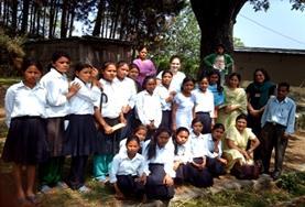 Als je vrijwilligerswerk doet in Nepal en gaat lesgeven op scholen, dan maak je kennis met de lokale schoolkinderen.