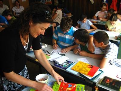 Lesgeven op een school in Roemenië