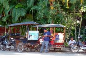 Help lokale ondernemers in Cambodja tijdens het microkrediet vrijwilligerswerk project.