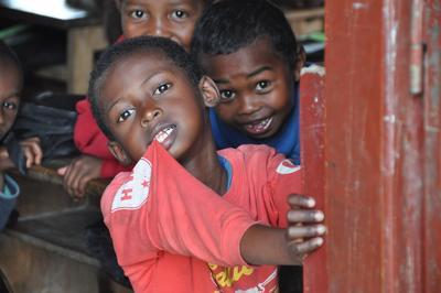 Doe vrijwilligerswerk binnen de geneeskunde en heb je lokale collega's in Madagaskar