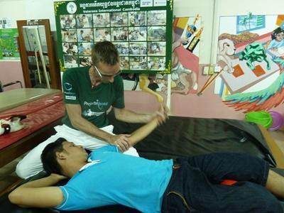 Fysiotherapeut als vrijwilliger in Cambodja