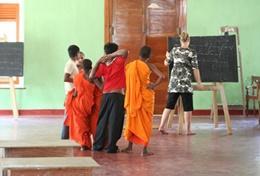 Deel jouw kennis van het Engels met de lokale leerlingen in Sri Lanka tijdens jouw vrijwilligerswerk project.