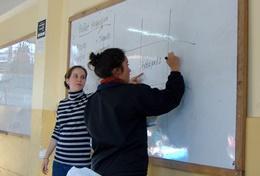 Als een ervaren wiskunde leraar kun je assisteren bij wiskunde lessen op scholen in Peru tijdens dit vrijwilligerswerk project.