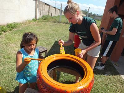 Help op een kinderdagverblijf in Argentinië bij de verzorging en onderwijs van de lokale kinderen