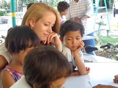 Knutselen met kinderen in de Filippijnen