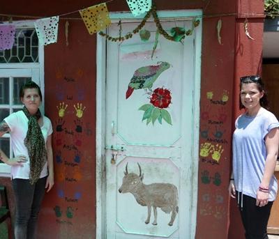 Projects Abroad vrijwilligers op het Sociale zorg project voor kinderen met HIV/Aids in Nepal