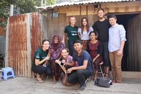 Breng je nieuwe talenkennis van Khmer in de praktijk bij je gastgezin.