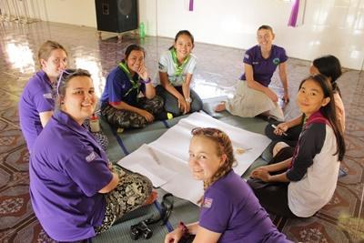 Help de lokale medewerkers van een kinderdagopvang in Cambodja bij de zorg voor de kinderen tijdens deze twintigersreis.