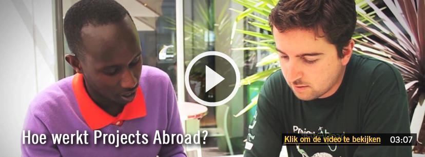 Bekijk hoe het werkt om vrijwilligerswerk in het buitenland te doen met Projects Abroad